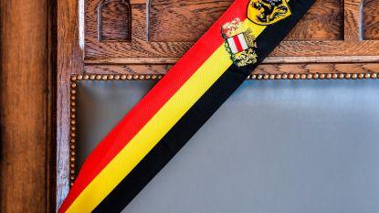 """Tricolore of Vlaamse burgemeesterssjerp: """"Waarom geen sjerp in de regenboogkleur?"""""""