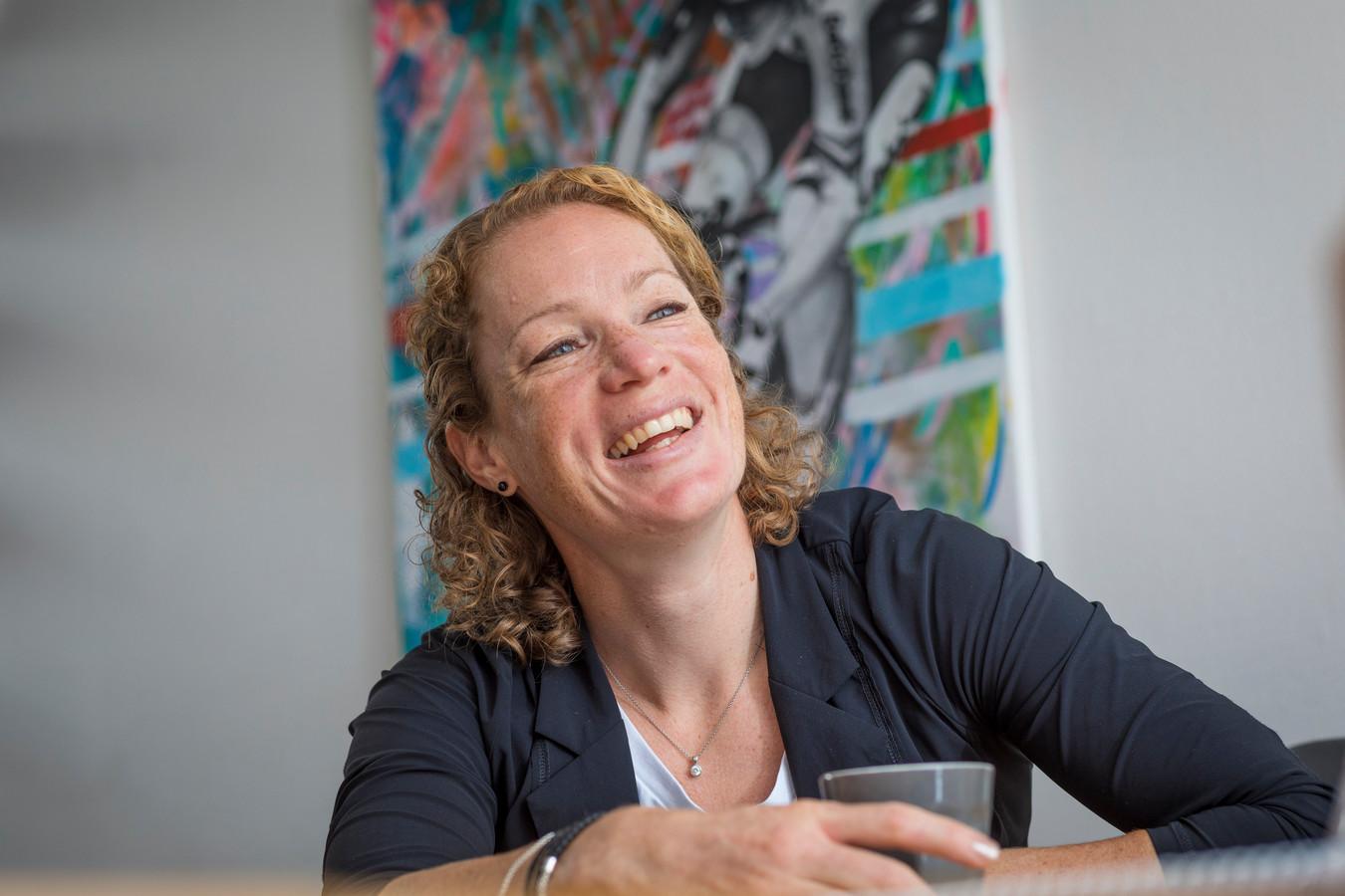 Kirsten Wild aan haar keukentafel in Zwolle: ,,Wil ik als baanwielrenster nog naar de Olympische Spelen in Tokio?''.