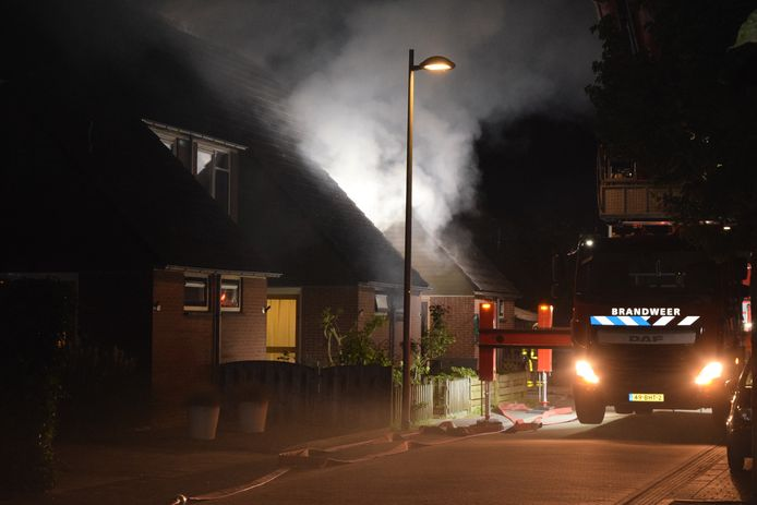 De woning aan de Papaverstraat brandde van binnen volledig uit.
