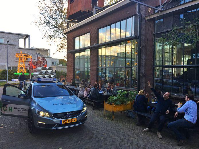 Voor veel DDW-bezoekers is Piet Hein Eek in Strijp een niet te missen stop. Al dan niet via de gratis shuttledienst.