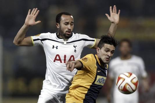 Andros Townsend (links) in actie voor Tottenham.