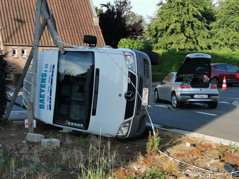 De twee bestuurders raakten lichtgewond.