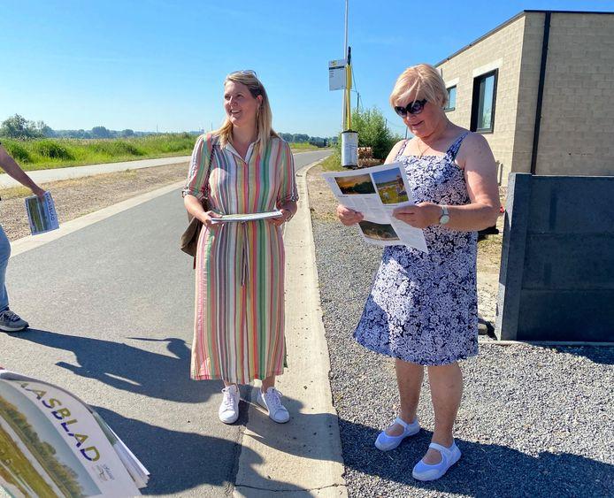 De inwoners van Boyen in Dilsen-Stokkem mochten als eerste het blad in de bus ontvangen.