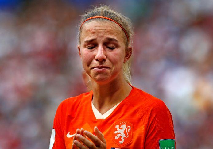 Jackie Groenen na afloop in tranen.