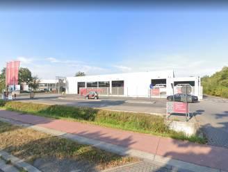 Brand in elektriciteitskast achter XL Carwash