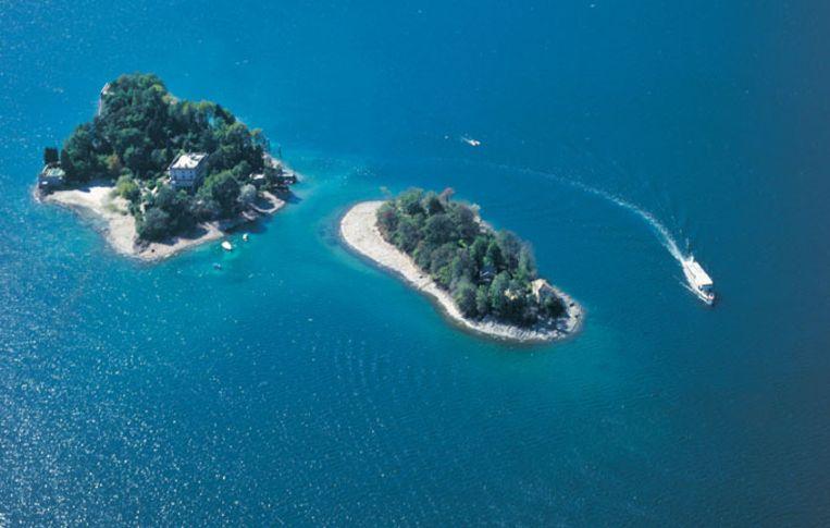De Brissago-eilanden met links de villa Van Emden met botanische tuin. Beeld UNKNOWN