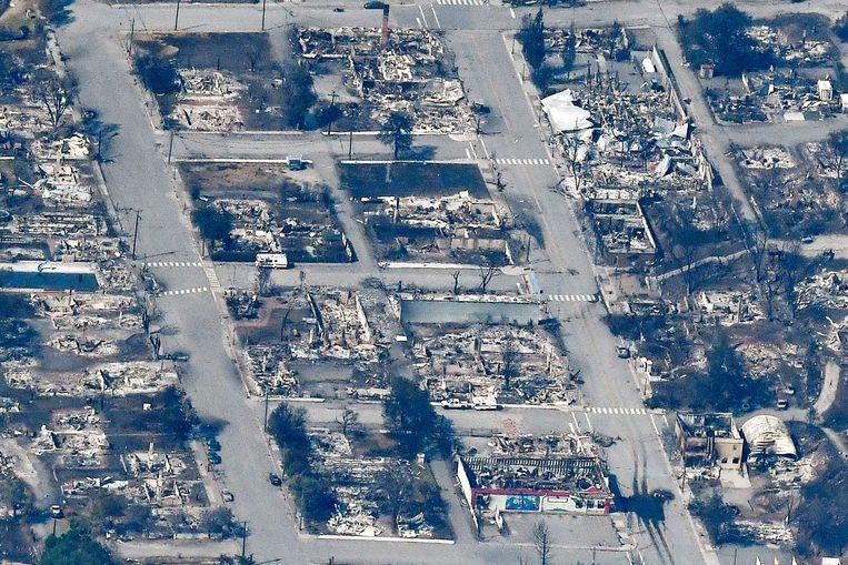 Luchtfoto van afgebrande huizen in Lytton, in het westen van Canada. Door de recordhitte vond daar afgelopen week een grote bosbrand plaats, met veel schade tot gevolg. Beeld Reuters