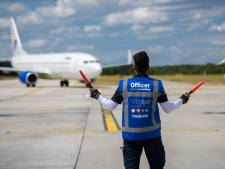 Werken naast de startbaan van Eindhoven Airport: 'Veiligheid gaat hier boven alles'