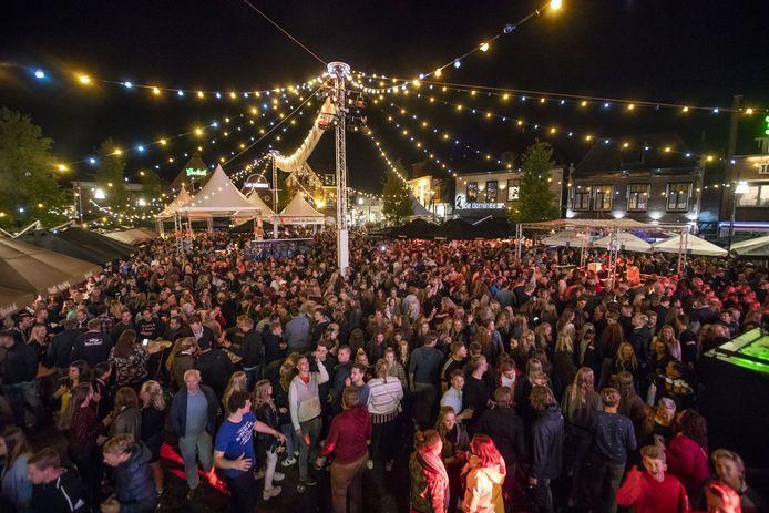 Wordt er dit jaar wel een Boeskoolfeestje gehouden op de Groote Markt in Oldenzaal? Uiterlijk half mei hakt de organisatie van dit zomerfeest de knoop definitief door.