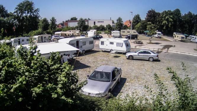 """Vlaams Belang hekelt nachtlawaai op terrein woonwagenbewoners, stad Kortrijk grijpt in: """"Er komt een avonduur, overtreders krijgen GAS-pv"""""""