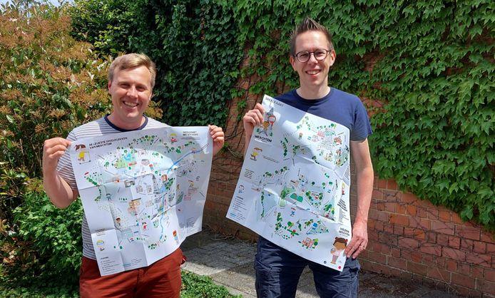 Schepen Toon Luypaert en jeugdconsulent Tom Vastenavondt met de speelkaart in de hand.