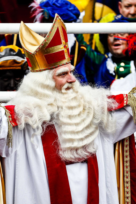 Teruglezen: Pietprotest verboden en veel regen tijdens aankomst Sint