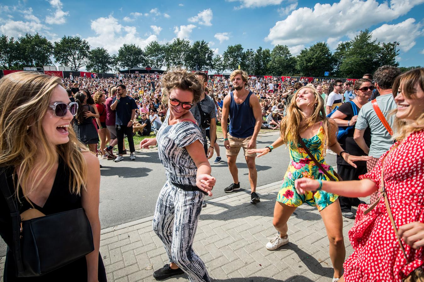 Festivalgangers tijdens de eerste dag van Lowlands in 2018.