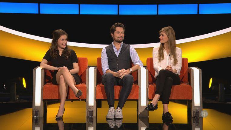 Olga Leyers, Gilles Van Bouwel en Eva De Roo in de finale van 'De slimste mens ter wereld'. Beeld rv VIER