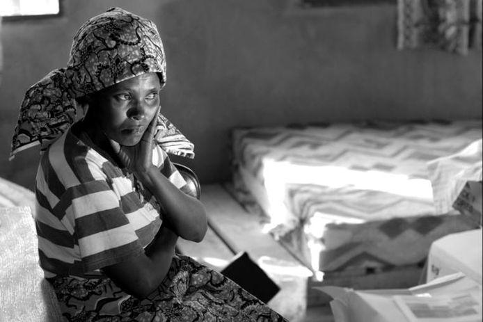 Marie-Jeanne, een van de Rwandese vrouwen die is geportretteerd.