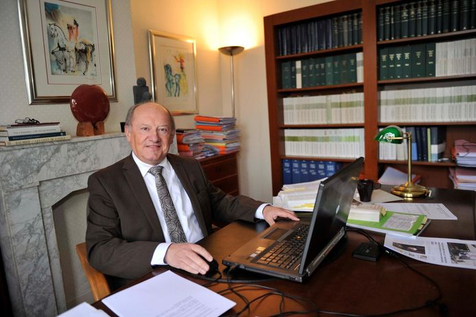 Ex-schepen Jan van Hoof is na een jaar afwezigheid opnieuw gemeenteraadslid.