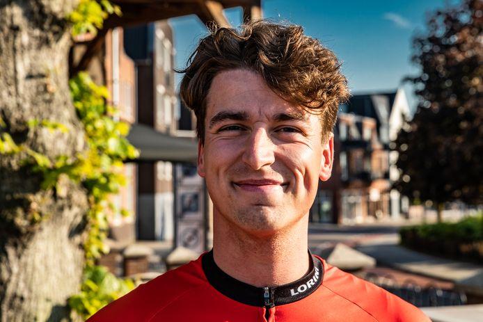 Tijmen Traanman uit Holten fietste dit weekeind 541 km in 24 uur. De renner won de 24 uurs-challenge die zijn wielerclub TTM Holten hield om sponsorgeld in te zamelen.