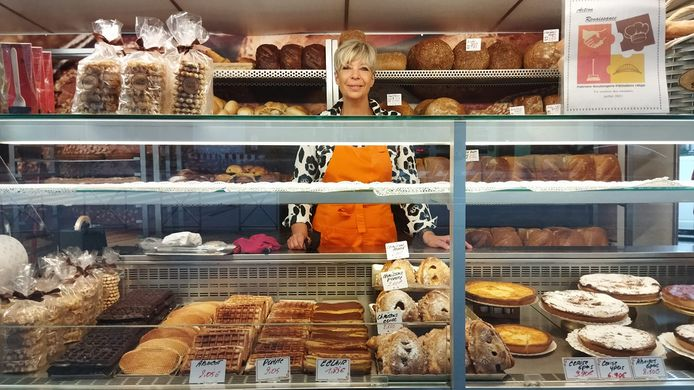 Sylvie Knuts tient, depuis une semaine, une boulangerie temporaire sur la place André Jadoule, à Angleur.