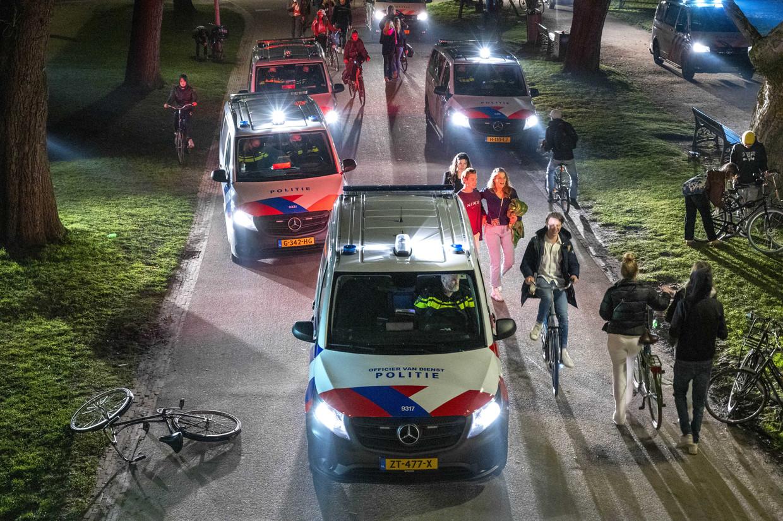 Politie in het Vondelpark. Beeld ANP