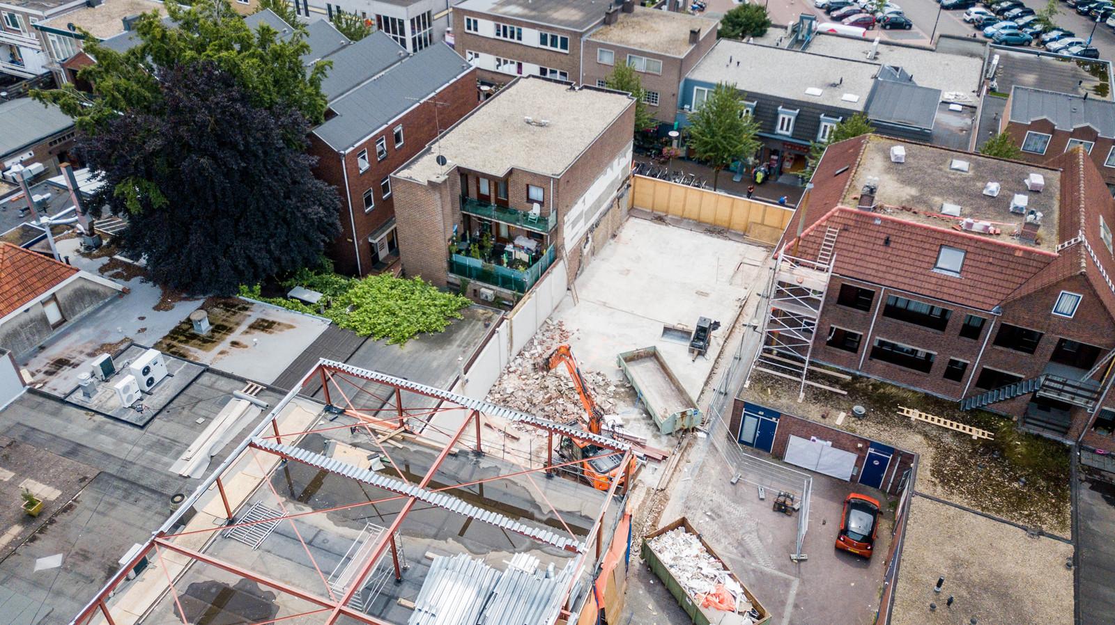 Boven de Wijchense HEMA worden de komende tijd twaalf Young People Living- appartementen gebouwd.