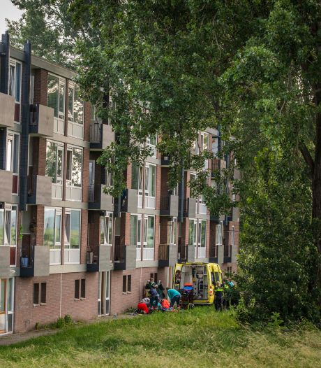Peuter Jabir (2) viel in Arnhem op drie hoog van balkon, vertelt zijn vader: 'Hij heeft geluk gehad'
