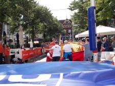 Polsstokhoogspringer gewond na landing naast mat in bomvol stadscentrum Apeldoorn