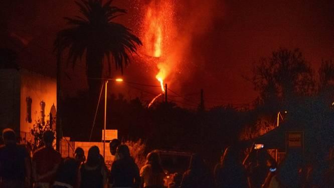 Vulkaan op La Palma blijft lava en as spuwen: lavastroom al anderhalve kilometer breed