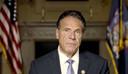 De gouverneur van New York, Andrew Cuomo. In een van tevoren opgenomen video ontkende hij de aantijgingen opnieuw.