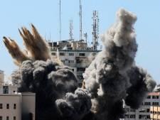 Israël blijft 'zo lang als nodig is' Gaza bombarderen; woede om raketaanval op mediagebouw