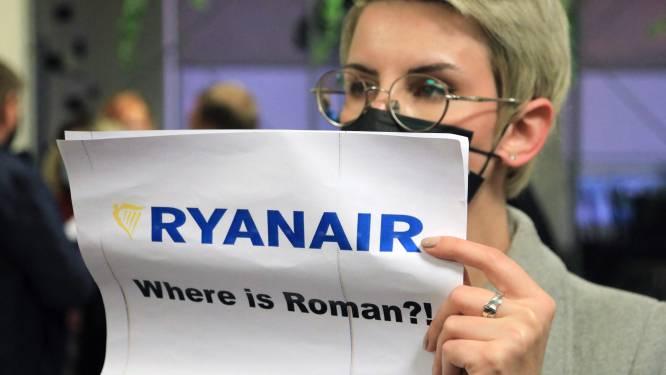 Ryanair onder vuur nadat vliegtuig met kritische journalist gedwongen landt in Belarus