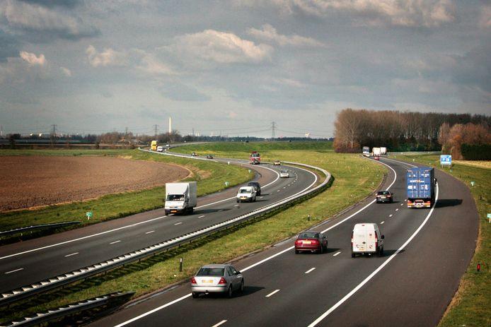 De eventuele nieuwe snelweg A4-Zuid moet ter hoogte van de 'Hoge Lus' bij Klaaswaal aansluiting vinden op de A29.
