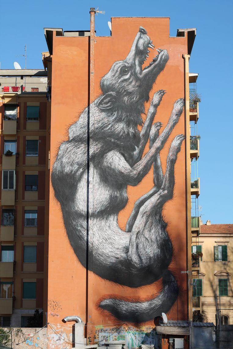 'Jumping Wolf' van Gentenaar Roa in Rome (Italië). Beeld 999Contemporary