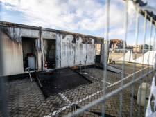 Verdachte (21) van teststraat-brand op Urk weer op vrije voeten