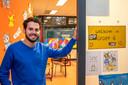 Zij-instromer Stanley van Aken op een foto uit begin 2020 toen hij op basisschool De Springplank in Halsteren werkte. Hij is nu leerkracht groep zes op De Poorte in Woensdrecht.