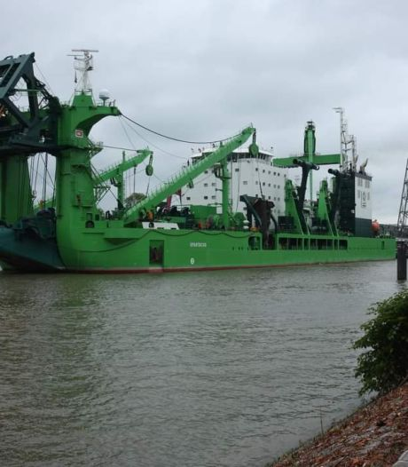 Krachtigste baggerschip ter wereld ondergaat laatste zeetesten