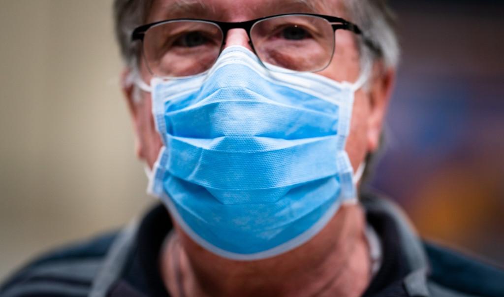 VW, Mercedes-Benz en Geely doneren massaal mondkapjes aan ziekenhuizen.