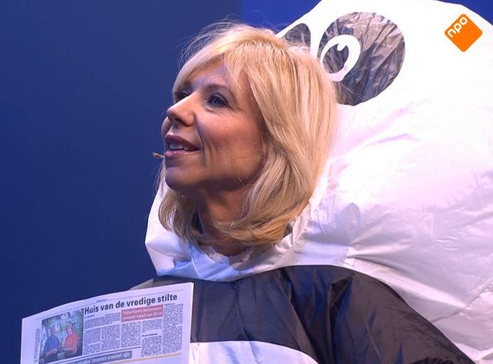 Claudia de Breij in haar pandapak.