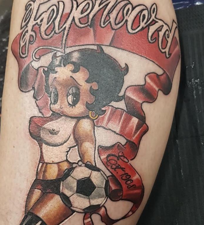 Getatoeëerde Clubliefde Voor Feyenoord Gebundeld In één Boek