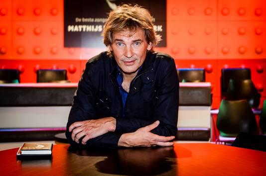 Matthijs van Nieuwkerk is wellicht niet lang meer te zien achter de tafel bij De Wereld Draait Door.