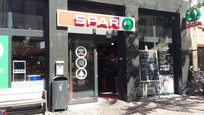 De Spar-supermarkt aan de Lange Hezelstraat in het centrum van Nijmegen.