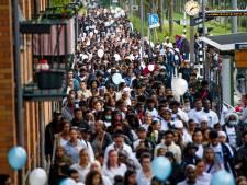 Ruim duizend mensen lopen stille tocht in Beverwaard voor doodgestoken Joshua (15): 'We zijn het geweld zat'