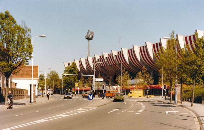 Het Philips Stadion van PSV in Eindhoven in de jaren 80.