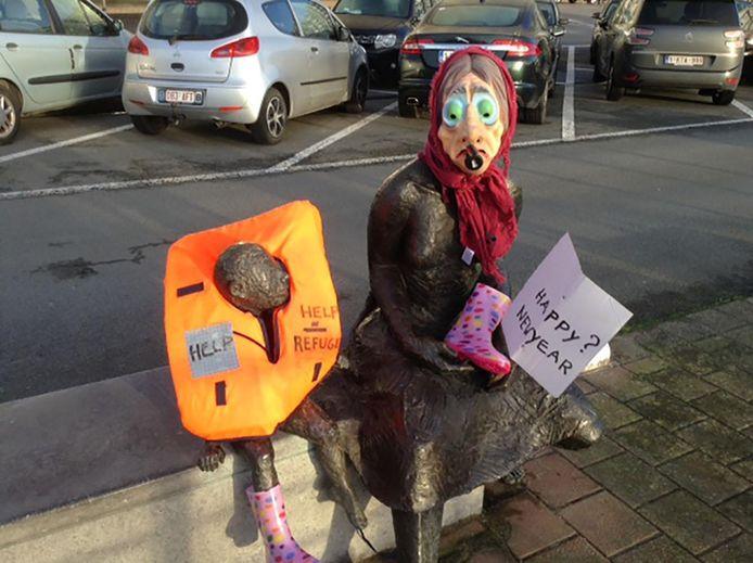 Het standbeeld na de actie van Blanksy.