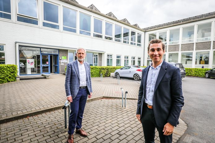 Nieuwe directeur SASK Joost Laeremans samen met zijn voorganger Chris Bouton.