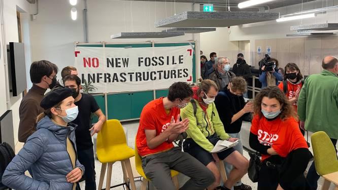 """Des activistes climatiques occupent le siège d'Ecolo-Groen: """"Le temps des compromis faiblards et du lobbying est révolu"""""""