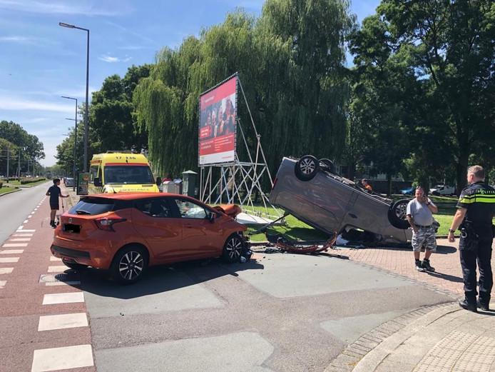 Auto-ongeval op de Meidoornsingel