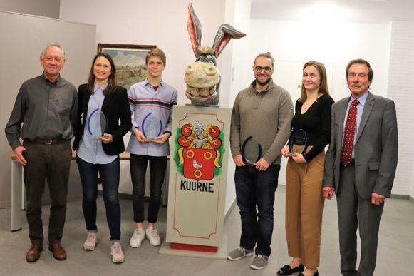 Christian Demeyer, Oshin Derieuw, Wout De Waegenaere, Olivier Iserbyt (die de trofee kwam halen uit naam van zijn broer), Line De Waegenaere en de voorzitter van de sportraad.