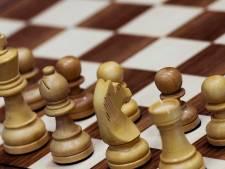 Oud-voorzitter Bredase schaakvereniging begint schaakschool voor volwassenen