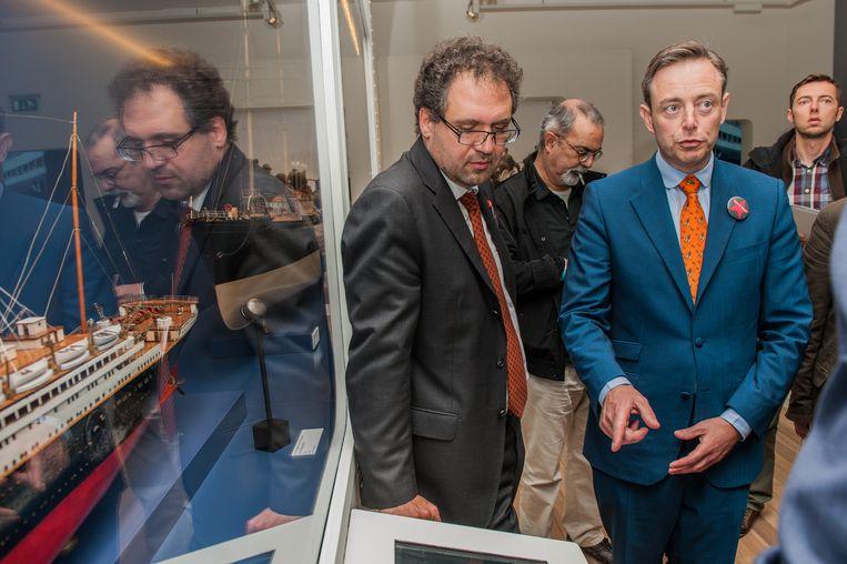 Schepen Koen Kennis en burgemeester Bart De Wever