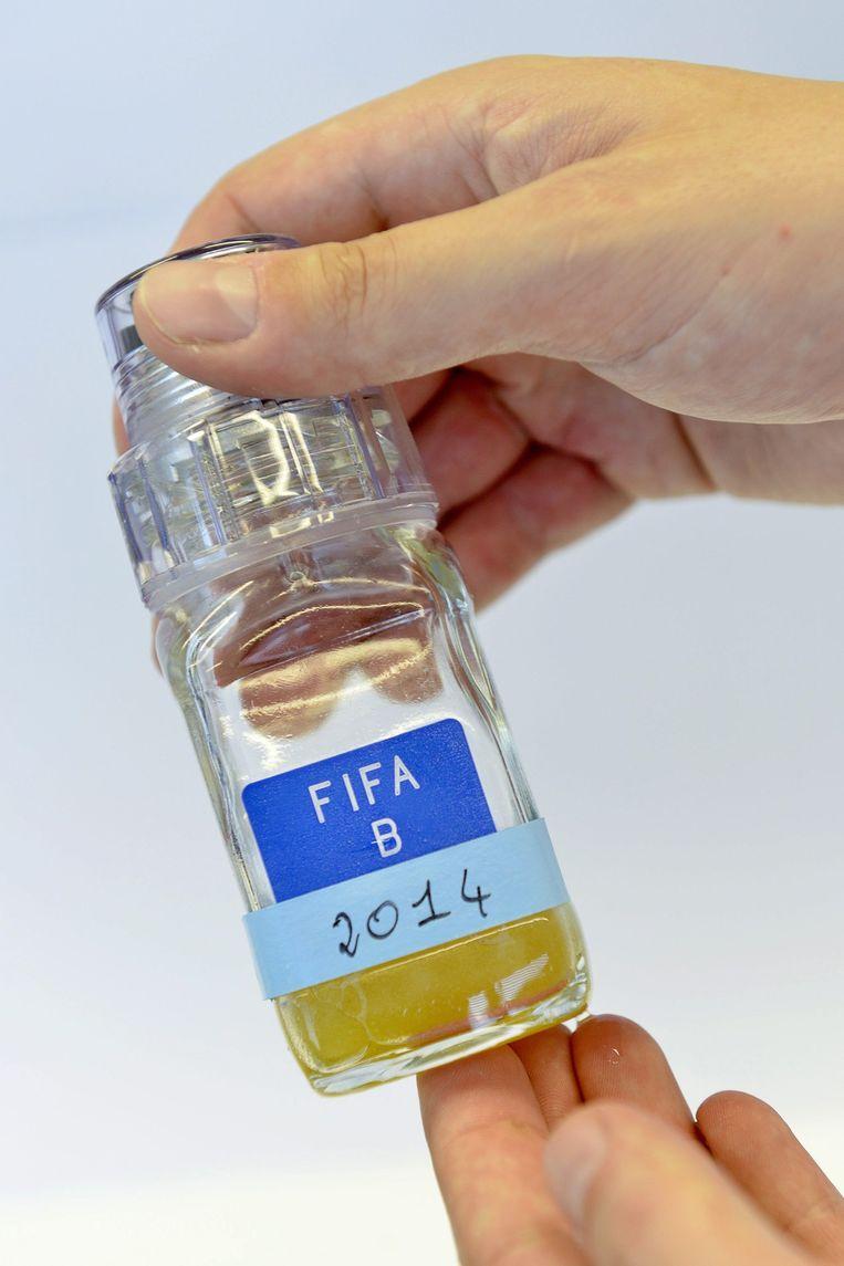 Een urinestaal dat werd afgenomen tijdens het WK voetbal in Brazilië vorig jaar. Beeld EPA